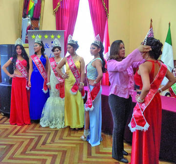 Coronan a elegidas de Belleza Potosí