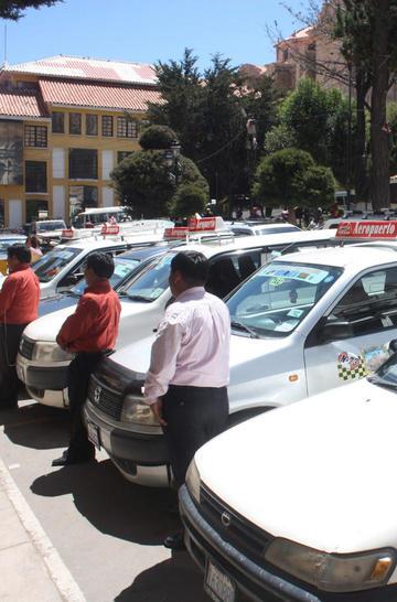 Consejo del Transporte analizará tasa nocturna de los taxis y radiotaxis