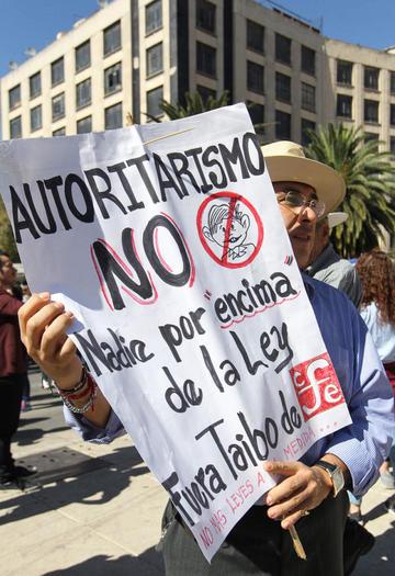 Ya protestan contra el presidente de México