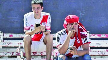 Hay resignación entre los hinchas mientras se acerca el River-Boca en Madrid