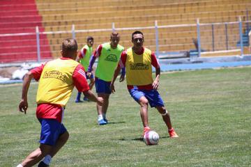 Christian Vargas será la novedad en el onceno lila que visitará a los verdolagas