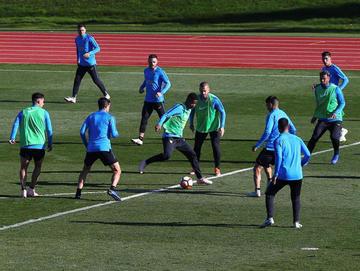 Boca y River cumplen su primera práctica en Madrid