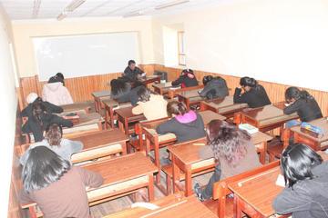 Papás de los alumnos reprobados acuden a la Dirección Distrital