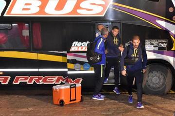 Boca regresa a Argentina en silencio