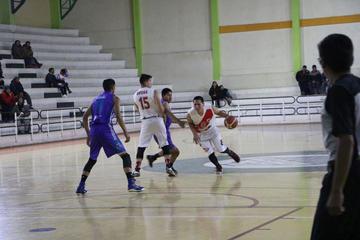 La banda roja gana 80-58 a Leones y es líder del torneo local de básquet
