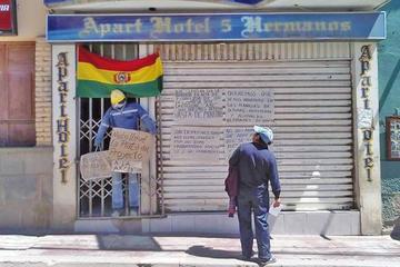 Extrabajadores de Cartelone toman rehenes en Tupiza