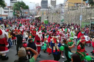 La Paz se llena de colorido por las fiestas de la Navidad y Año Nuevo