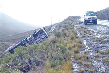 Estudiante provoca un accidente aparatoso en la vía a Cuchu