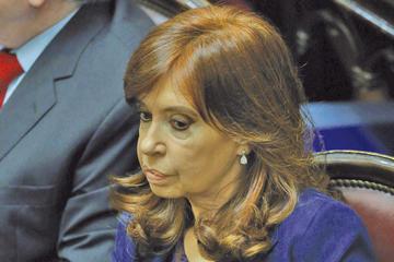 Piden enviar a juicio a Cristina Fernández por lavado de dinero