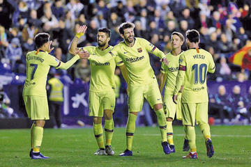Barcelona quiere despedir el año instalado en el liderato de LaLiga Santander