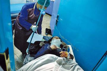 Sube a 48 los muertos por un ataque suicida en Afganistán