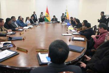 Sectores piden la renuncia o cambio de los ministros