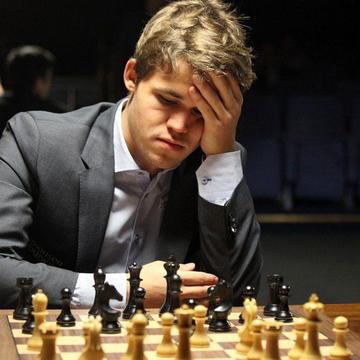 Carlsen es líder del Mundial relámpago de ajedrez
