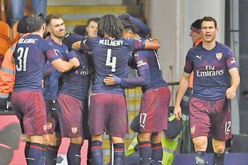 Arsenal golea y pasa de ronda en la FA Cup