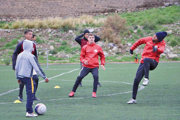 El equipo de la banda roja trabaja  en tres turnos todos los días