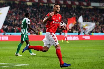 Benfica gana en su primer reto sin Rui Vitória
