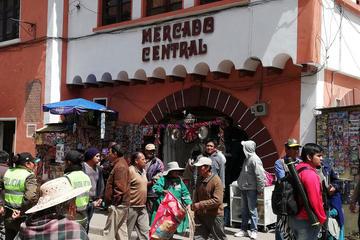 """""""Caseritas"""" evitan sacrificio del guardián del mercado"""