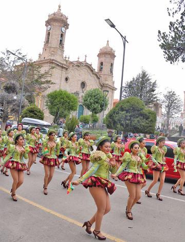 Danza de los caporales se bailó ayer en 22 países