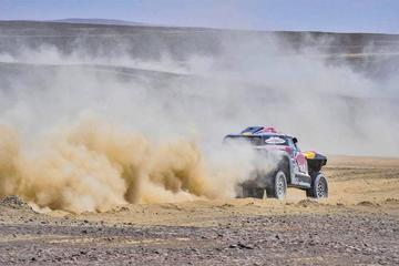 Peterhansel se lleva la octava etapa en autos