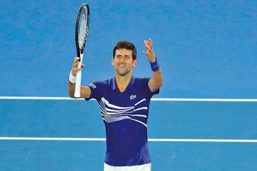 Djokovic gana en su debut en Australia