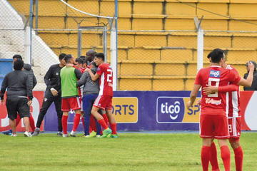 Royal Pari enfrenta hoy a River Plate