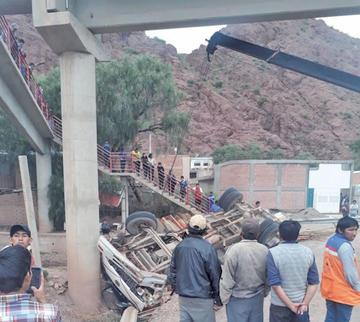 Exceso de velocidad causa accidente en Tupiza