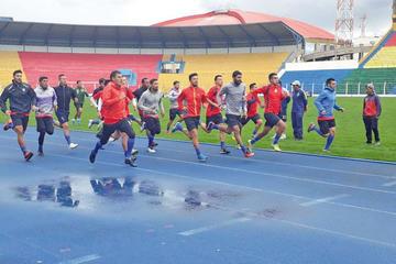 Ochoaizpur define el equipo que enfrentará a Guabirá