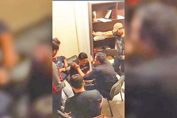Gobierno: funcionarios judiciales protegían al abogado golpeador