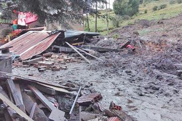Una mujer de la tercera edad muere en un deslizamiento en Colomi