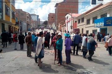 Feriafranquistas quieren sacar a comerciantes de Villa Banzer