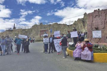 Revilla: bloqueadores impiden los trabajos en Alpacoma