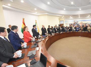 Arce y Quintana refuerzan el gabinete ministerial de Evo Morales