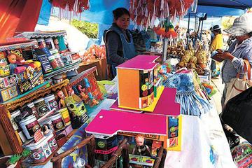 Feria de la Alasita convoca a los que tientan a la suerte