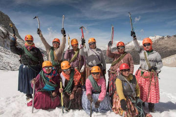 Cholitas derrotan a mítico Aconcagua