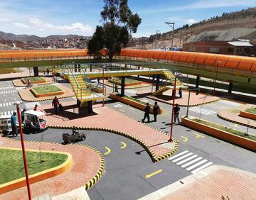 Alcalde entrega el parque vial más grande del país en Potosí