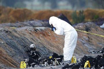 Asciende a 109 cifra de muertos por explosión de gasolina en México