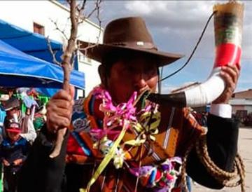 Comunarios de Tomave muestran sus danzas locales