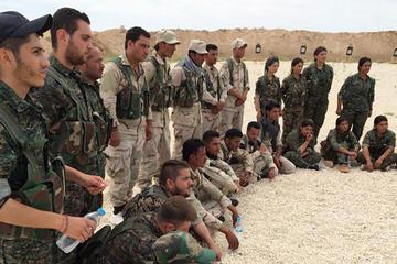 Fuerzas kurdas afirman que el Estado Islámico retiene a miles