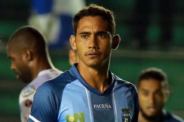 Alegan que Rafael Barros no jugó en Potosí por la altura