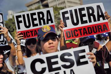 EE.UU. desafía a Maduro y envía ayuda humanitaria a Venezuela