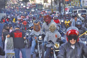 Guatemala vive importante romería en motocicletas