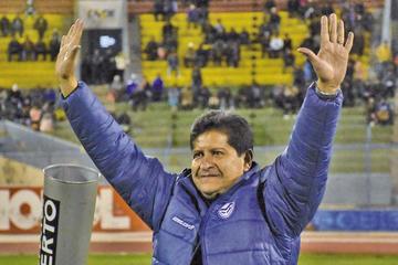 Villegas y la FBF firman contrato