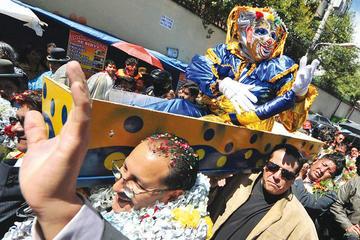 La Paz desentierra al pepino y ya se prepara el carnaval
