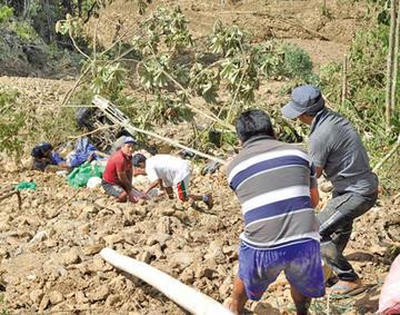 El Gobierno confirma 15 muertos por deslizamientos en Caranavi