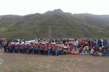 Llevan la electricidad a las comunidades de Llallagua