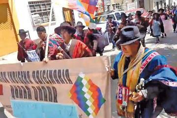 Indígenas marchan de Sucre a La Paz por sus derechos