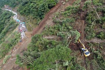 Hay 20 personas desaparecidas en la vía entre Yolosita y Caranavi