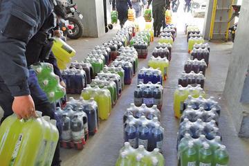 """Más de un millar de botellas con alcohol eran """"vendidas"""" en una librería"""
