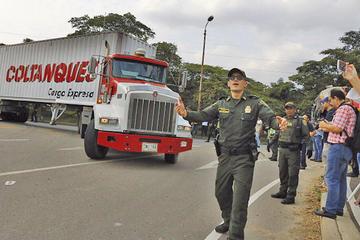 Venezolanos organizan eventual distribución de ayuda extranjera