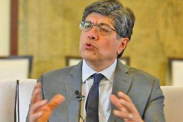Exservidores públicos de Correa piden refugio